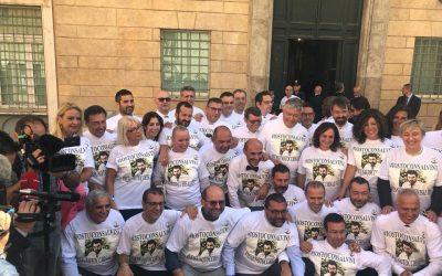 Senatori Lega a sostegno di Salvini mentre il Presidente del Consiglio riferisce in Aula sul caso Diciotti