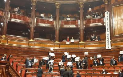 Decreto Clandestini: prosegue la protesta della Lega in Aula