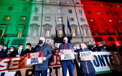 CONTE DIMETTITI! Protesta Lega e Centrodestra sotto Palazzo Chigi