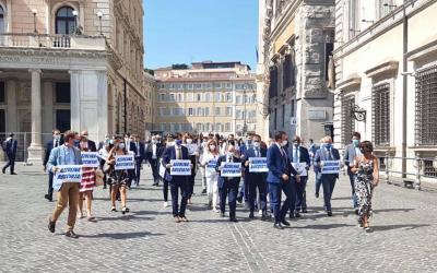 Manifestazione Lega sotto Palazzo Chigi: CONTE BOCCIATO!