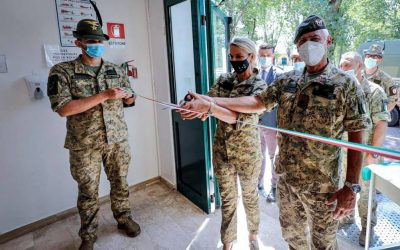 Visita presso il 4° Reggimento Alpini Paracadutisti dell'Esercito Italiano
